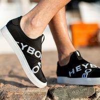 PRIMAVERA VERANO 2022  Nuestras zapatillas COVENTRY están diseñadas para la comodidad, con suela alta, lona liviana y con elásticos cruzados. Ideal para combinar con un look deportivo o urbano  Disponible  en nuestro shop online.