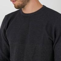"""SUÉTER RUNE ¿Sabías que heybon tiene una línea exclusiva de suéters o también llamados """"sweaters."""" Hoy te presentamos en sus cuatro versiones este modelo clásico y distintivo, con un detallede textura en la zona superior y cuello redondo. En el mes de papá con tu compra en #HeybonWeb obtenes un perfume de regalo. Recordá que contamos con envios a todo el país + 3&6 cuotas sin interés ¿Ya decidiste el regalo para papá?  Déjanos un comentario, ¿Es equipo buzo o equipo suéter?"""