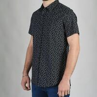 Camisa Leduc, manga corta corte clásico. Compra en 6 cuotas sin interés  Envíos a todo el país. . Cambios y devoluciones Envío exprés en Córdoba capital . . . . #camisa #shirt #hombres #summer #mens